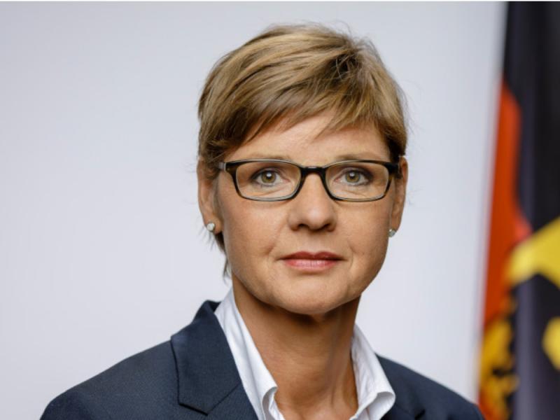 Isabelle Kalbitzer, Pressesprecherin des BND