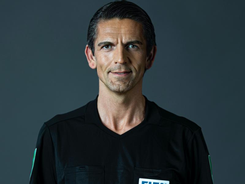 Deniz Aytekin, FIFA Schiedsrichter und Digitalunternehmer